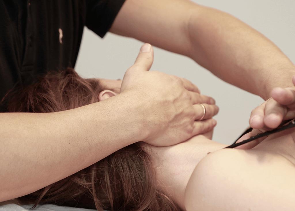 Kæbebehandling med osteopati