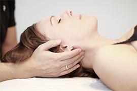 Ryg og nakkesmerter - Bliv behandlet med osteopati